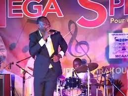 20 ans de carrière l'artiste Siba Franco Junior rend hommage aux anciens musiciens de Parakou.